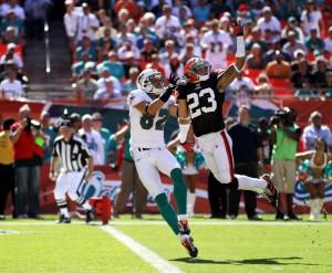 Joe+Haden+Cleveland+Browns+v+Miami+Dolphins+qJtuun2SoObl