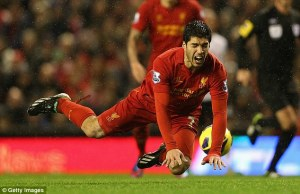 suarez diving