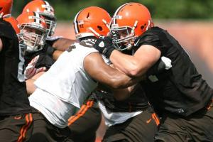 browns training camp offensive line