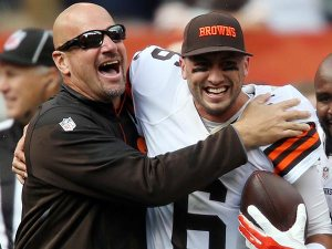 pettine loyal to hoyer