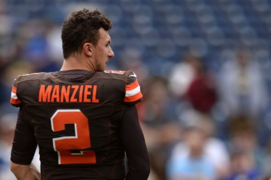 johnny-manziel-nfl-cleveland-browns-san-diego-chargers1-590x900 7.56.09 AM